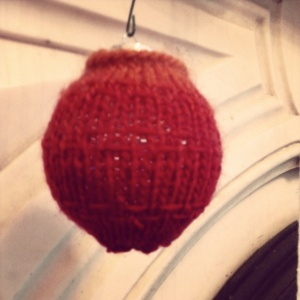 ombre knit christmas ball
