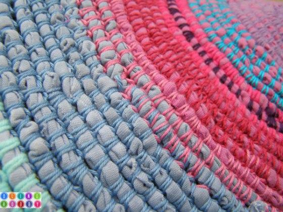 tshirt crochet rug detail