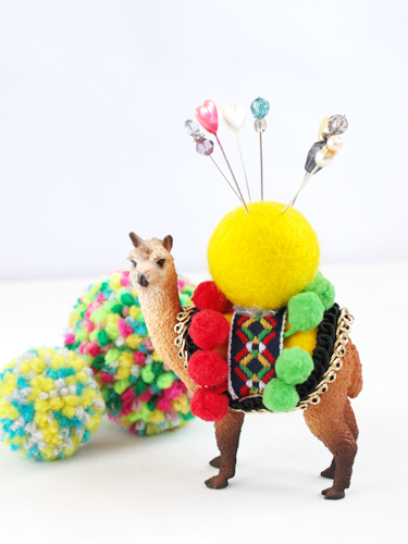 Alpaca pin cushion