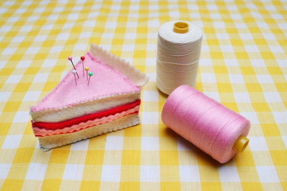 cake pin cushion