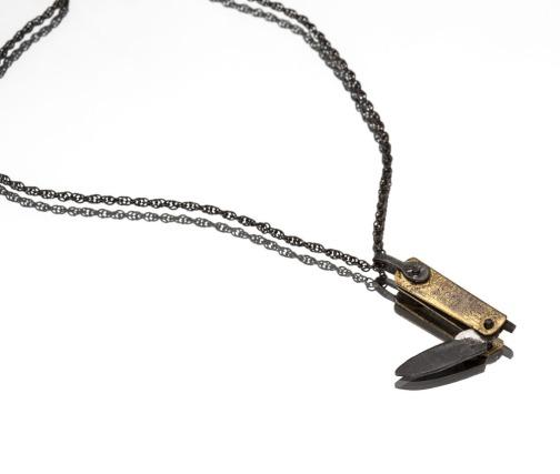 dagger neckalce